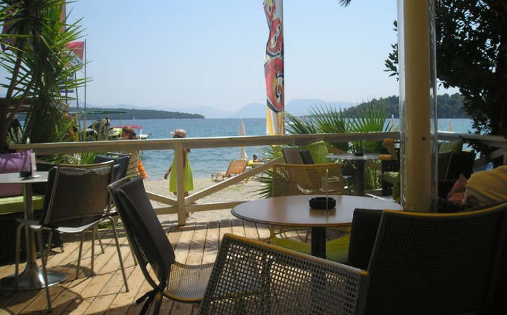 cafe_on_nidri-perigiali_beach_big