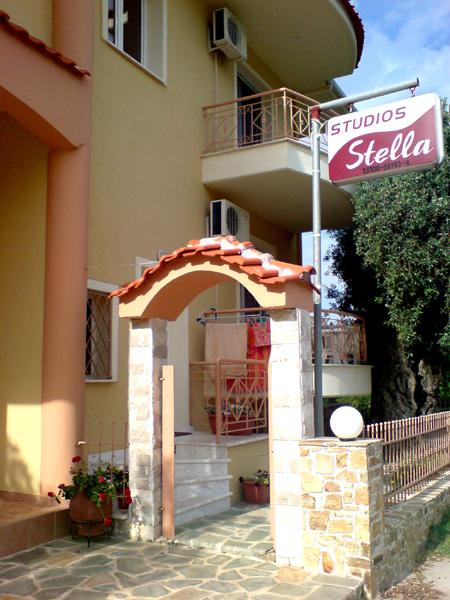 tasos vila stella studios